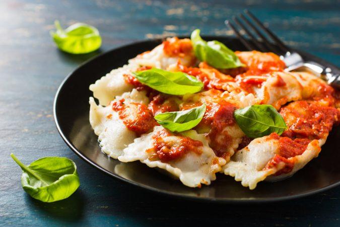 Ravioli-in-Tomatensoße